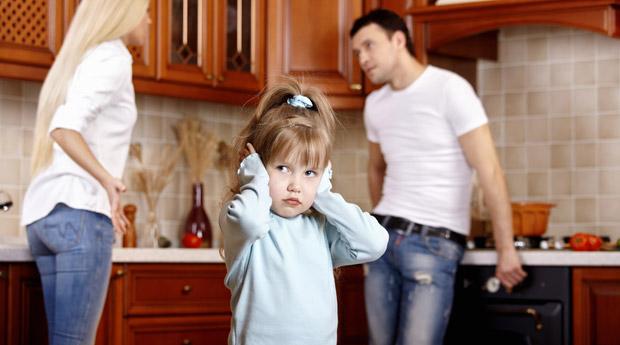 это если муж не дает развод и есть ребенок допускаю