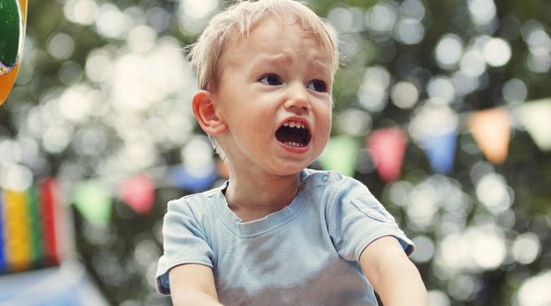 Что делать маме когда ребенок истерит